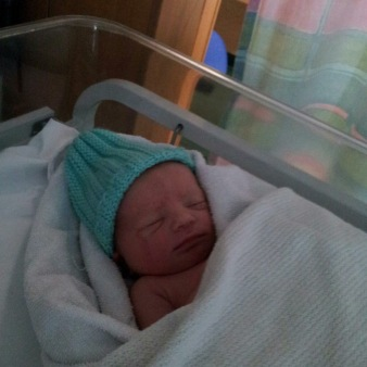 Tom at 1 hour old